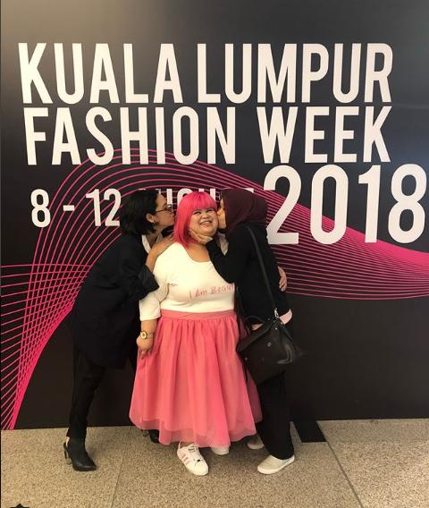 Gambar Catwalk Di Klfw 2018 Monalisa Cavalli Kini Jadi